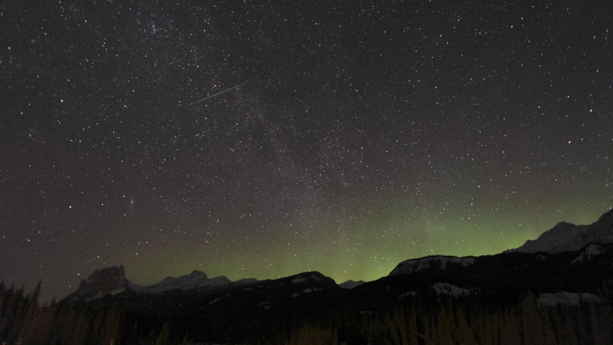 Here's how to watch the stunning quadruple meteor shower tonight