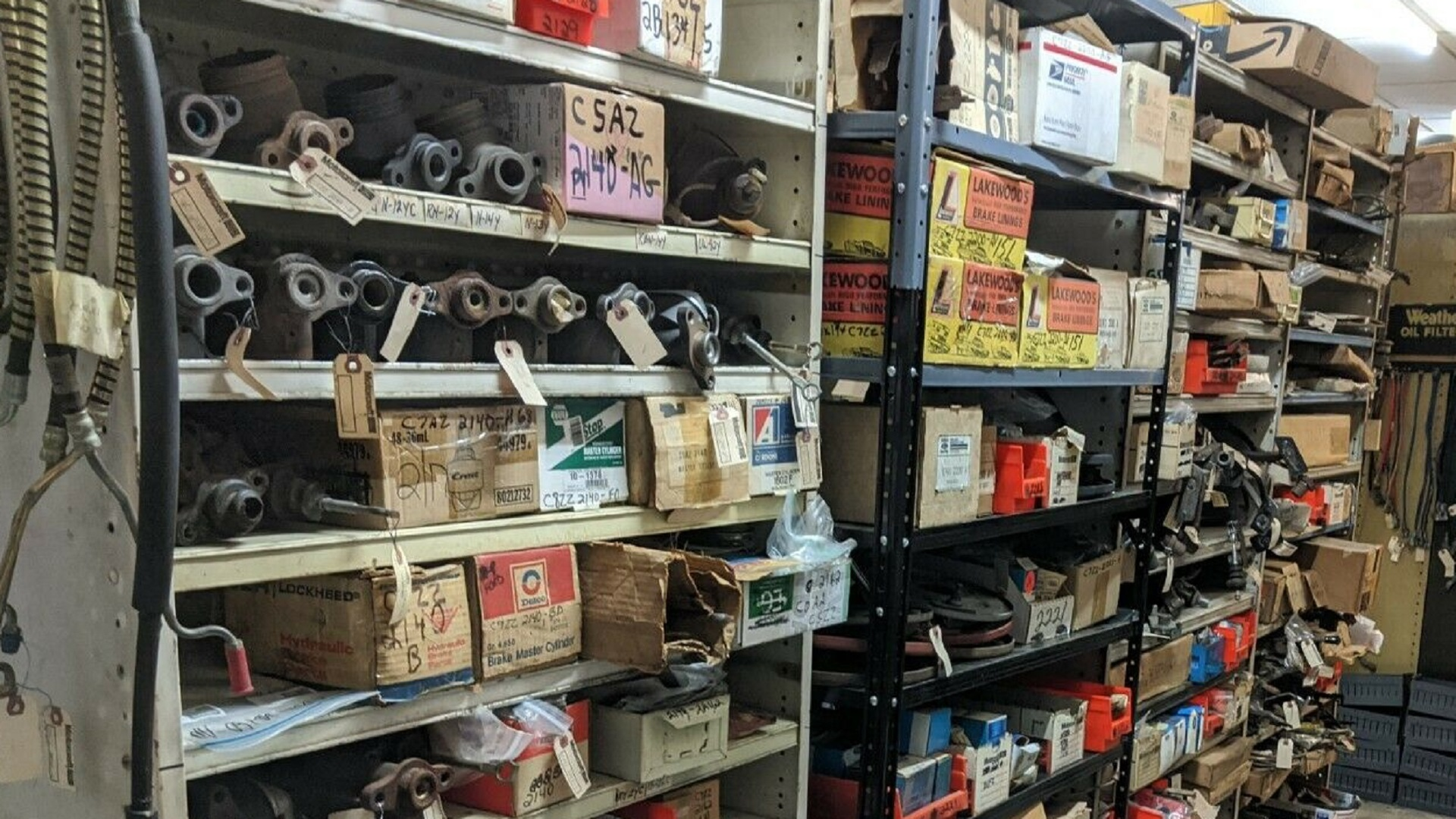 There is a warehouse full of $ 2 million in old, neoclassical Ford parts for sale on eBay